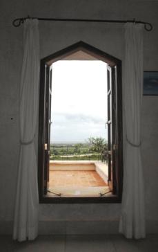 br 2 window