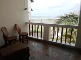 bedroom verandah villa2