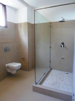 1br bathroom 2