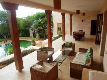 verandah to cottage2