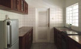house-3-kitchen