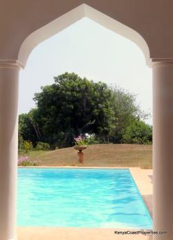 pool arch