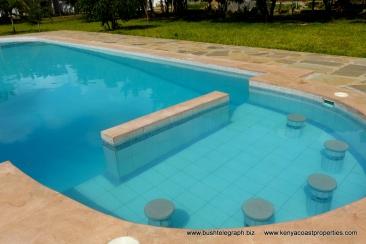 pool-shallow-end
