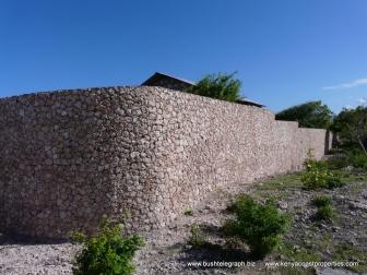 Perimetre wall