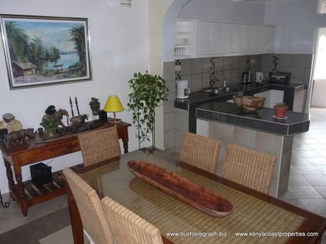 dining-to-kitchen