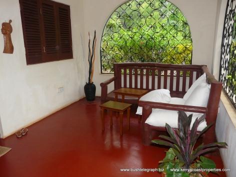 verandah-seating