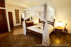 back-cottage-bedroom