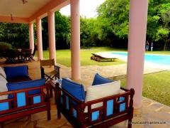 verandah seating to pool
