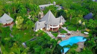 pool house back
