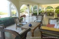 verandah seating to dining