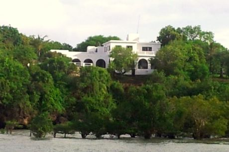 house from sea2