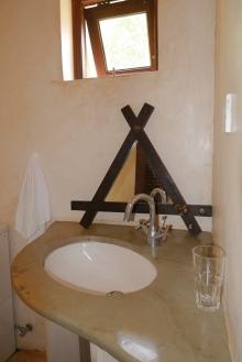 bathroom3 basin