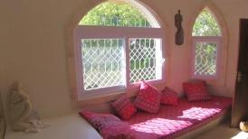 bedroom master bay window