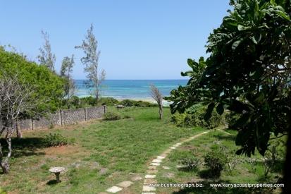 Kilifi Bofa garden to sea