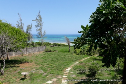 Kilifi Bofa garden to sea