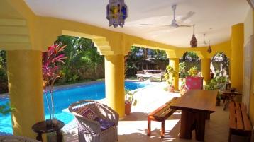 verandah to pool to north