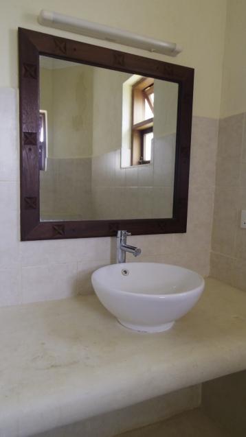 A bedroom master bathroom