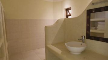 a bedroom1 bathroom