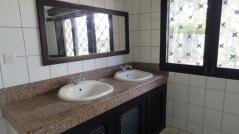 bathroom master1