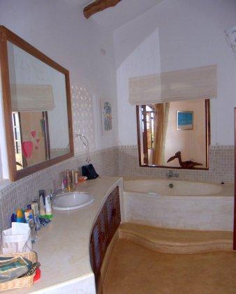 bathroom up2