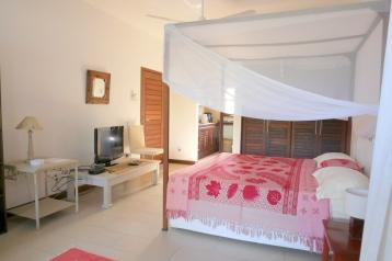bedroom from terrace2
