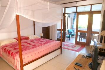 bedroom to verandah