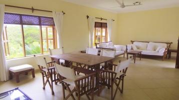corridor to dining sitting
