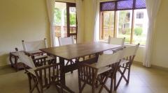 V dining to verandah