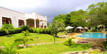 Villa nd pool2