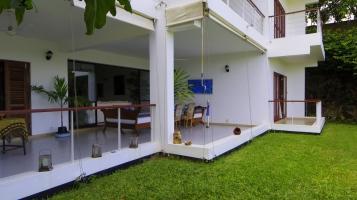 verandah to east