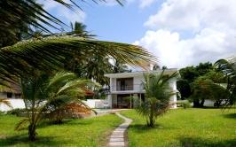 beach path to house