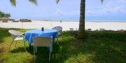 sitting to beach2