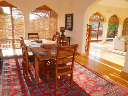 DINING ROOM TO SITTING