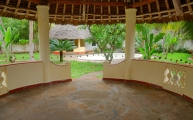 verandah to pool