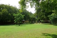 garden to tennis court base