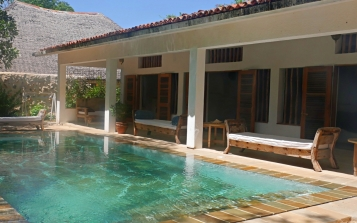 pool to bedrooms