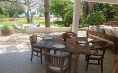 verandah dining to sea