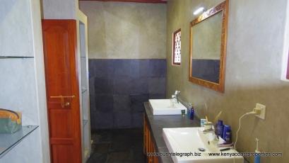 bathroom up4