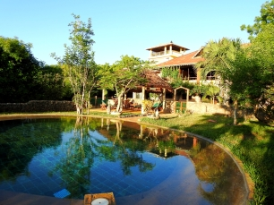 house from pool2