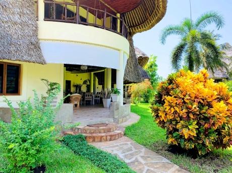 garden to verandah
