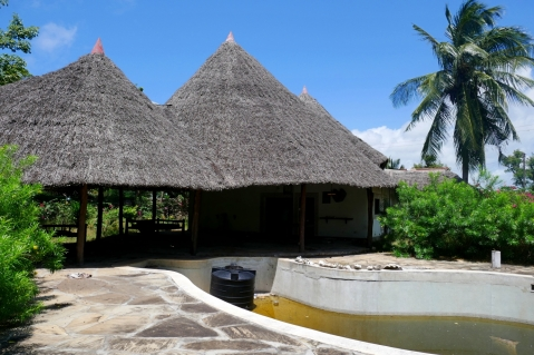 pool to house