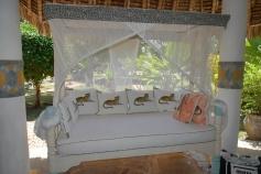 verandah comfy settee