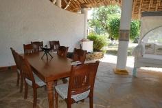 verandah dining to garden