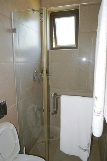 bedroom2 bathroom2