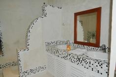 house bathroom2