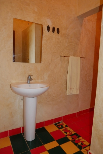 cottage 2 bathroom1
