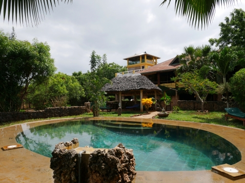 pool to house1