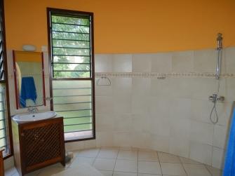 bedroom4 bathroom