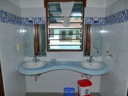 Gh2 bathroom basins