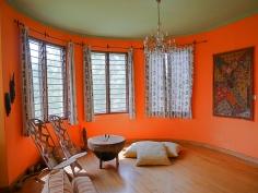 sitting room bay